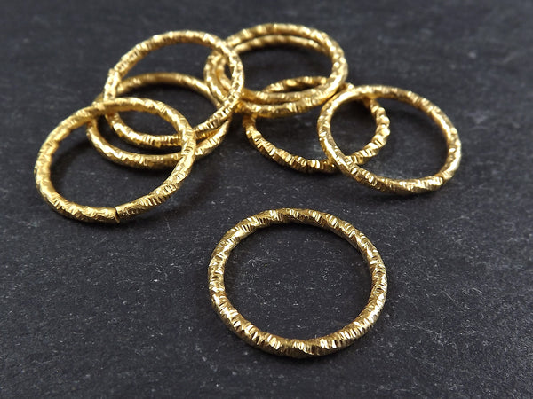 20mm Twisted Etched Jump Rings 22k Gold Plated - 8pcs