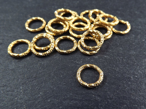 10mm Twisted Etched Jump Rings 22k Gold Plated - 20pcs
