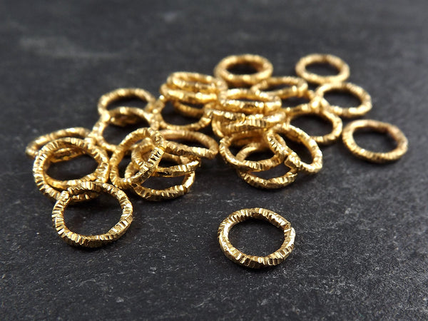 8mm Twisted Etched Jump Rings 22k Gold Plated - 30pcs