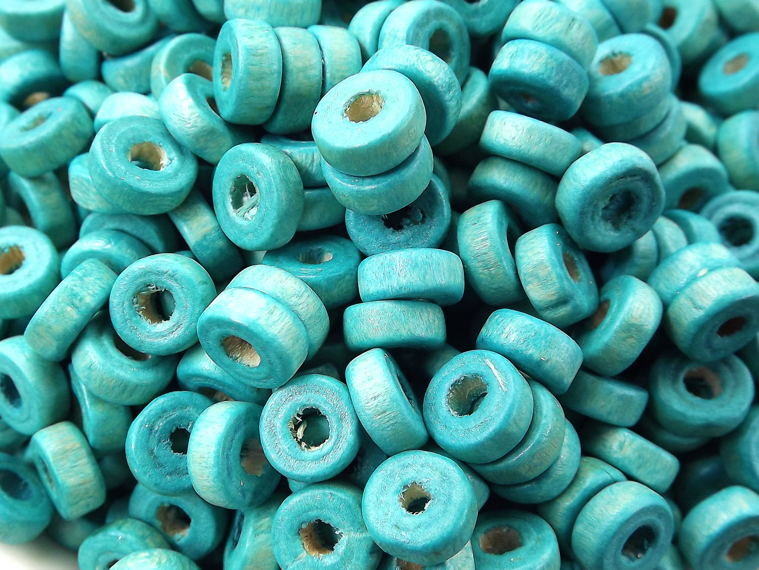 200pcs or 400pcs Aqua Blue Round Rondelle Heishi Wood Beads Satin Varnished Plain Simple Round Smooth Ball Bead Spacers 8mm Choose 50pcs