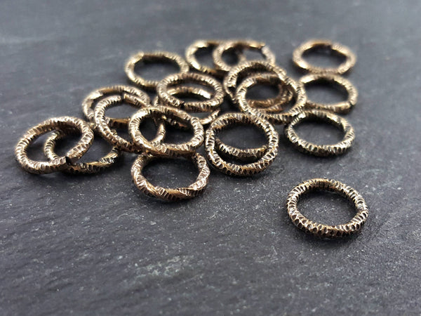 10mm Twisted Etched Jump Rings Antique Bronze Plated - 20pcs