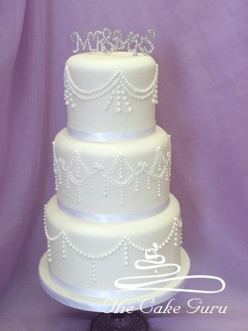 Vintage Piping Tall Wedding Cake