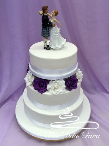 Contrast Roses Feature Wedding Cake