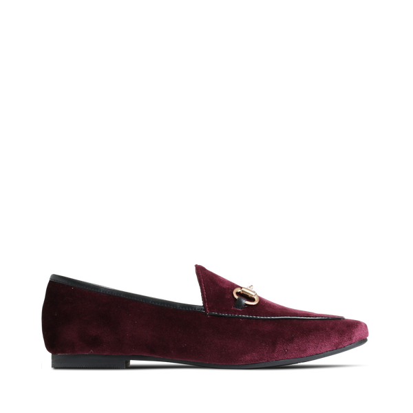 Beautiful Aggie loafer from Stylesnob - here in dark purple