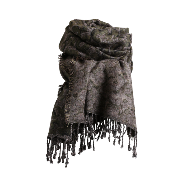 Stylesnob AW 17 - Beth Scarf army, soft leo weaved scarf with fringes