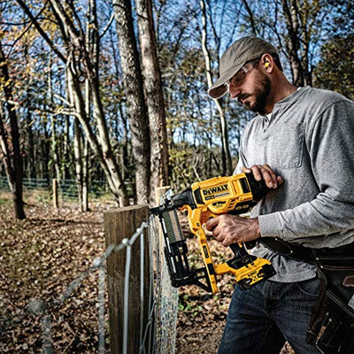 Dewalt DCFS950P2 18v XR Cordless Brushless Fencing Stapler