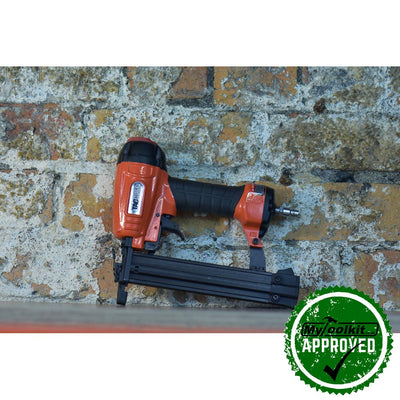 Brilliant brad nailer with variable adjustment of the fastener drive
