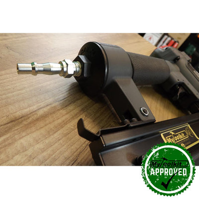 Close up of the connector for the Tacwise 21 Gauge Brad Nailer (15-30mm) CMB35PHH