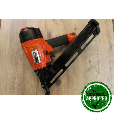 Tacwise 15 Gauge Inclined Air Brad Nailer (32-64mm) GDA64V lying on wood