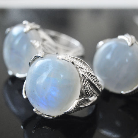 STERLING SILVER RAINBOW MOONSTONE ENCHANTED AMULET RING