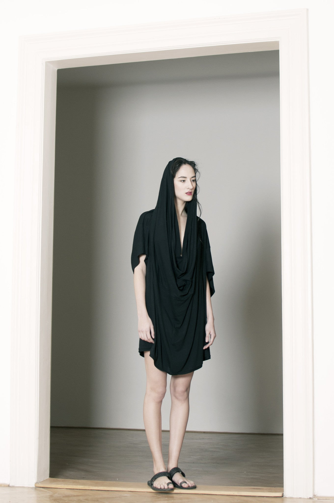 VARIABLE BLACK TSHIRT / ver. WOMAN