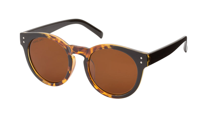 01-Brown: Classic style with twist.  Outer frame is back with gradient tortoise towards the center of the frame with black temple.  PC frame with solid brown lens.  UV400, Polarized, high quality hinges.