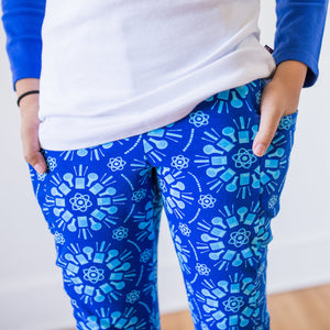 """Atomic Flurry"" Science Snowflakes Leggings with Pockets"