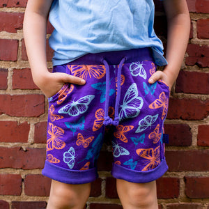 """Winging It"" Butterflies Drawstring Cuffed Shorts with Pockets"