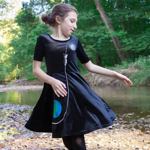 Apollo Moonshot Ballerina Style Short Sleeve Dress