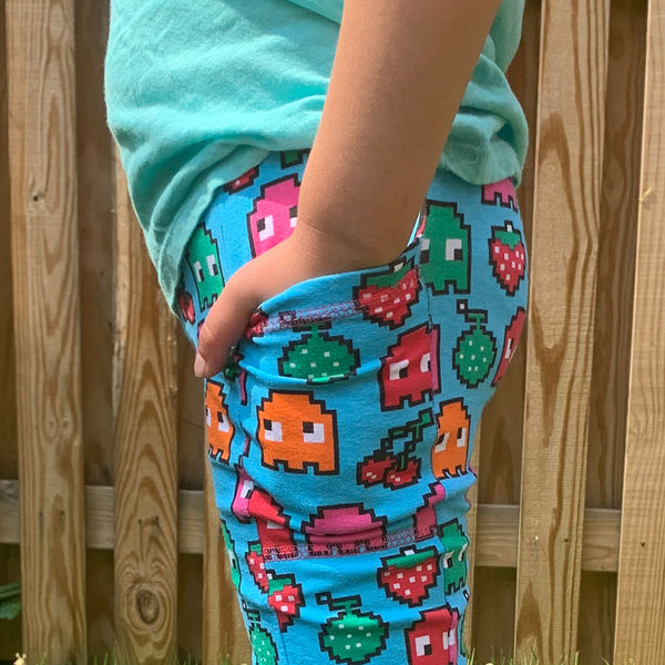 """Arcade Snacks"" Video Game Ghosts Leggings With Pockets"