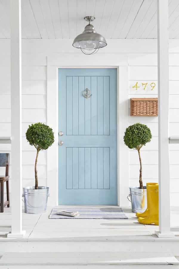 5 Easy Ways To Give Your Front Door a Colorful Makeover