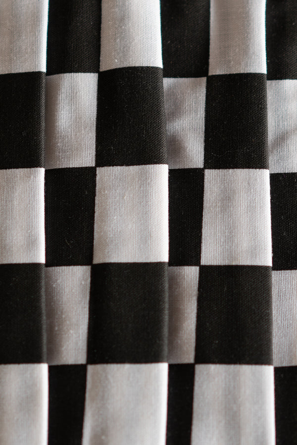 Black and White Checkered Print Pleated Face Covering