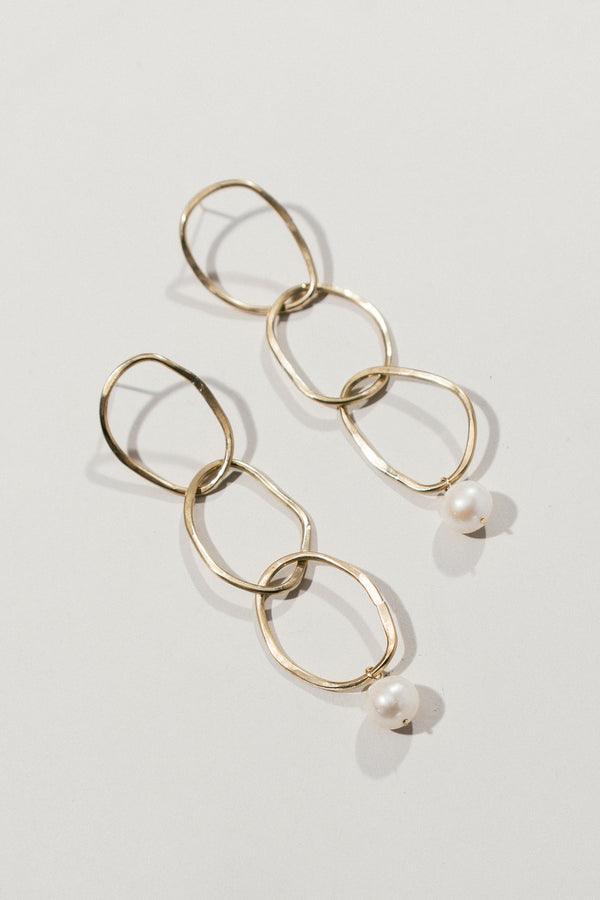 Loop Earrings with Pearls