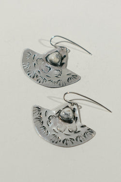 Silver Fan Earrings with White Dendrite
