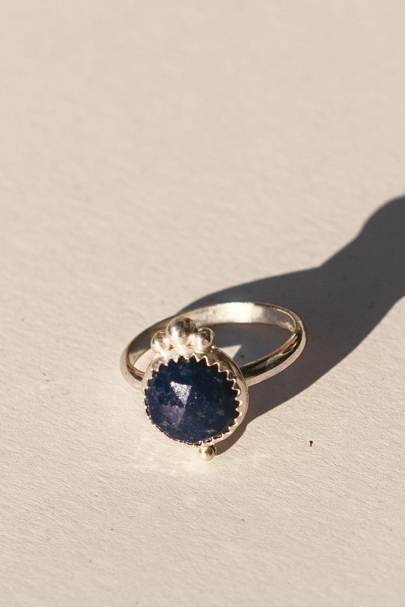 Silver Dots Ring with Lapis Lazuli