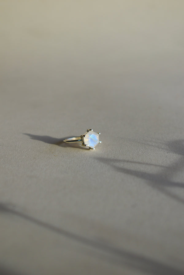8MM Hexagon Moonstone Ring