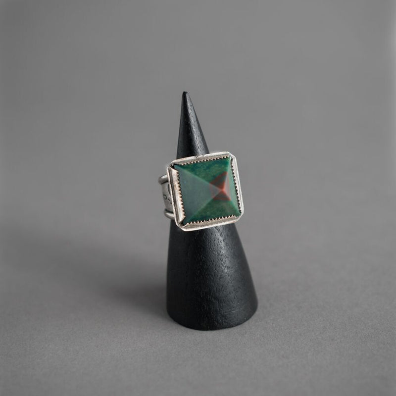Pyramid Wadjet Crystal Ring - Bloodstone
