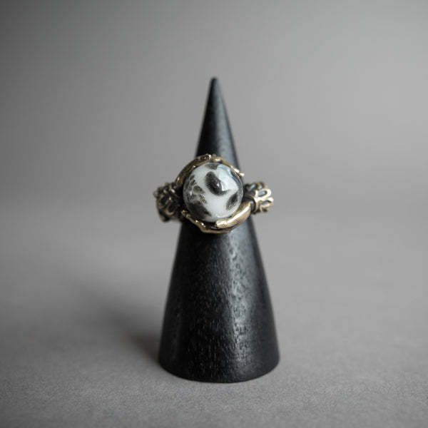 Omnia Oracle Ring - Glowing Moon