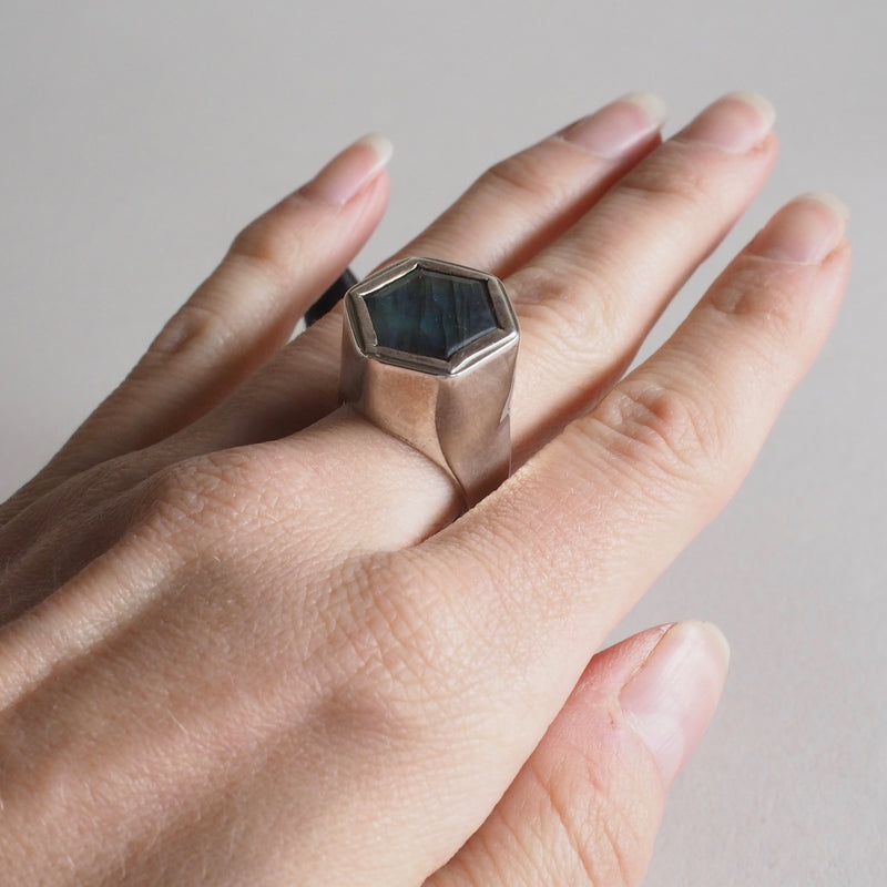 Hexagon Silver Hollow- Form Ring with Labradorite