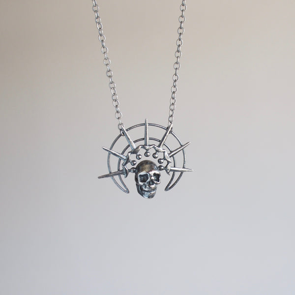 Morte Coronatum Necklace