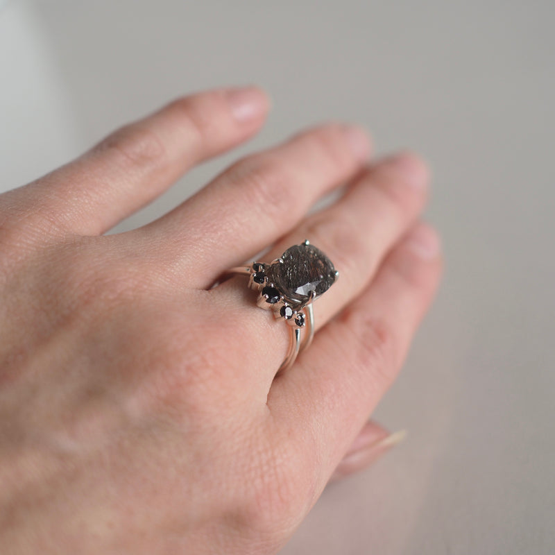 Black Spinel Curved Stacking Ring