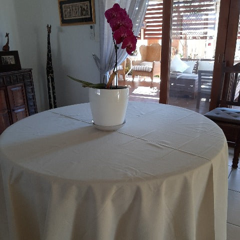 Ecru Extra large Round Tablecloths (12-16)