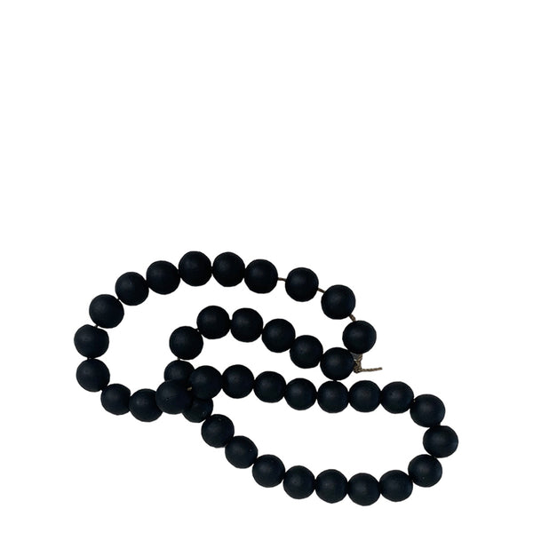 monsoon beads black