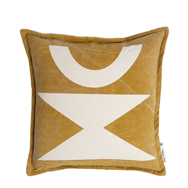 geometric cushion - golden tan/oats