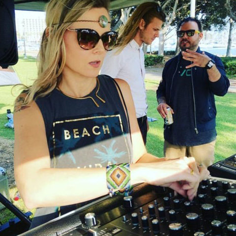 DJ Macoe San Diego DJ Mixcloud Soundcloud | Poet and the Bench