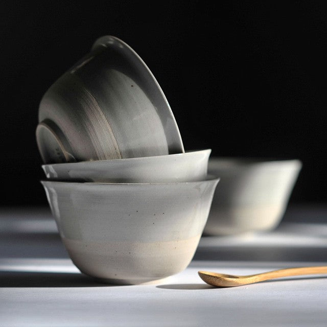 This small eating bowl by Bob Dinetz holds the perfect amount of miso soup, some warmed olives or a serving of yogurt, ice cream or fruit salad. The flared lip makes it ideal for drinking directly from the bowl.