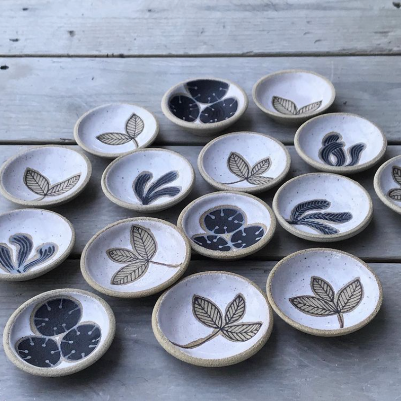 Julems ceramic trinket dishes are a charming way to serve salt, pepper and chopped herbs or to hold your favorite jewels on your bedside table.