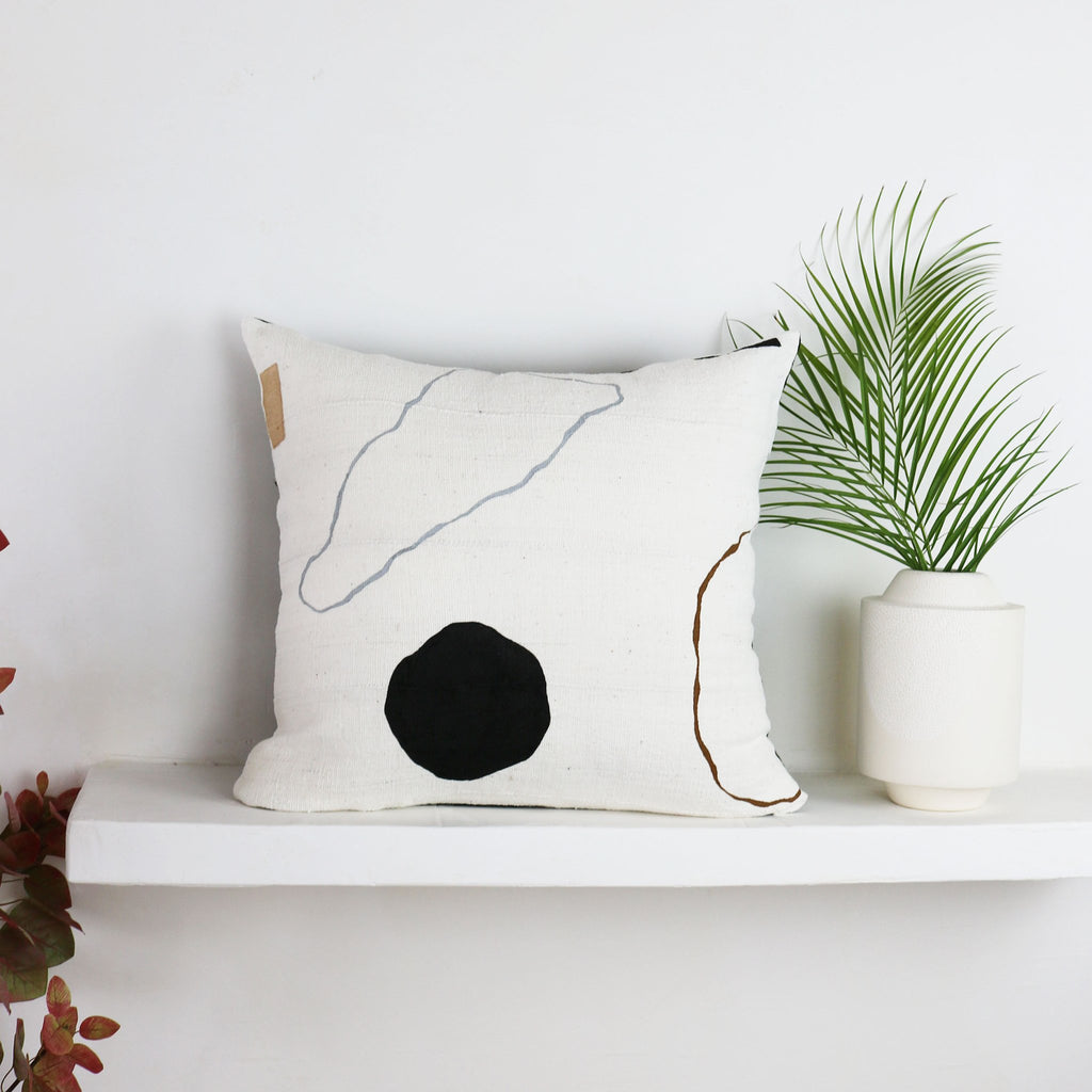 Her Küdd:Krig collection is desert-inspired sophistication. This is Landscape Pillow no 6
