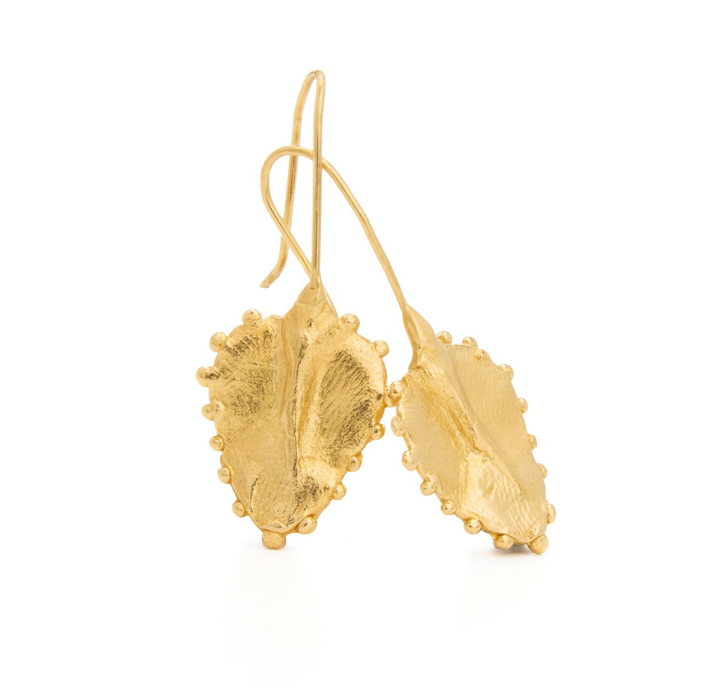 The timeless shape of these Darling Eden earrings invokes a sense of a garden of delight. Feminine and soft, they feel like a second skin.