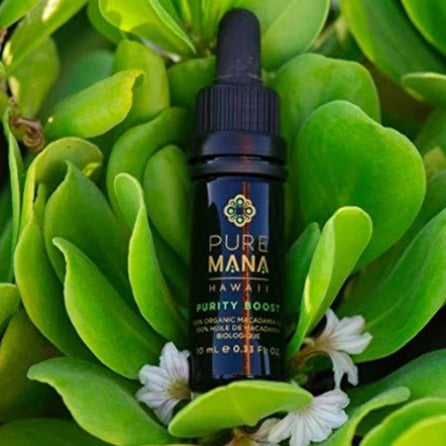 Purity Boost is 100% macadamia oil, without scent, good for any skin type, but especially sensitive skin as it is purity and simplicity at its finest.