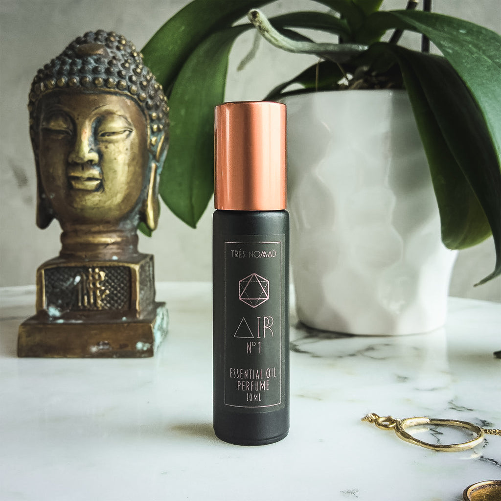 Hand-blended Perfume Spray is created to purify and uplift the spirit with high notes of Palo Santa and base notes of Vetiver and Tobacco flower.