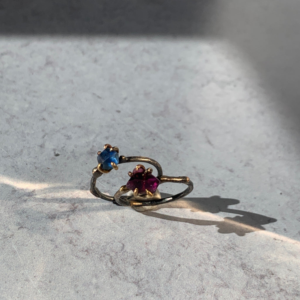 This deep blue toned single stone ring takes the traditional birth stone color to new levels. Pairs in the most stunningly sublime ways with other Variance Objects single stone rings and bands.