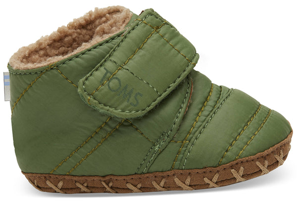 Cuna Light Pine Quilted Tiny Shoes