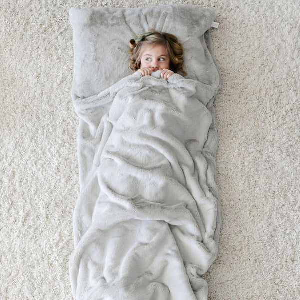 Grand Faux Fur Sleeping Bag in Fawn by Saranoni
