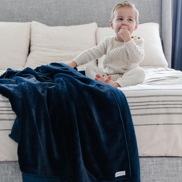 Lush Toddler Blanket in Navy by Saranoni