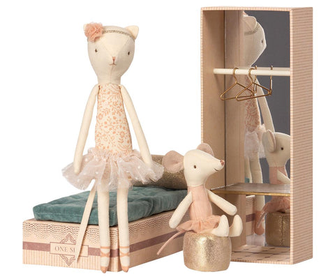 Dancing Cat and Mouse in Shoebox by Maileg