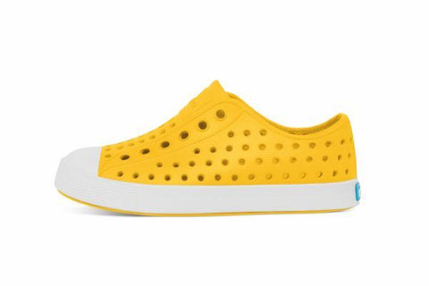 Jefferson in Crayon Yellow and Shell White