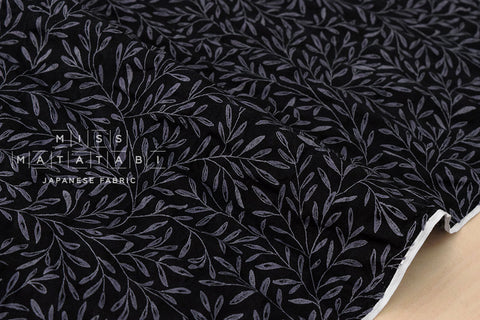 Seersucker Lawn - dainty leaves - black