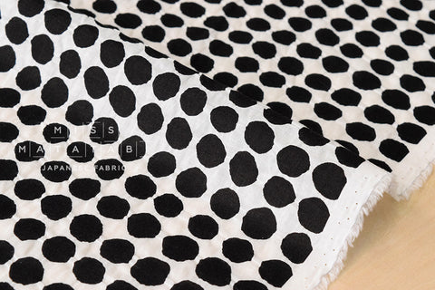 Textured Enshuku lawn dots - black, white