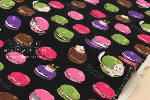Cat macarons - black